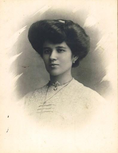 Avó Lucrécia circa 1910