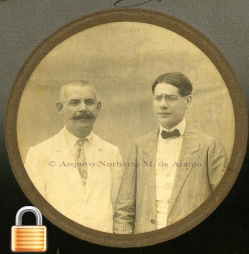 Seu tio materno José Moreira e seu primo João Moreira